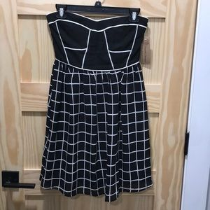 Black and white sleeveless dress never worn